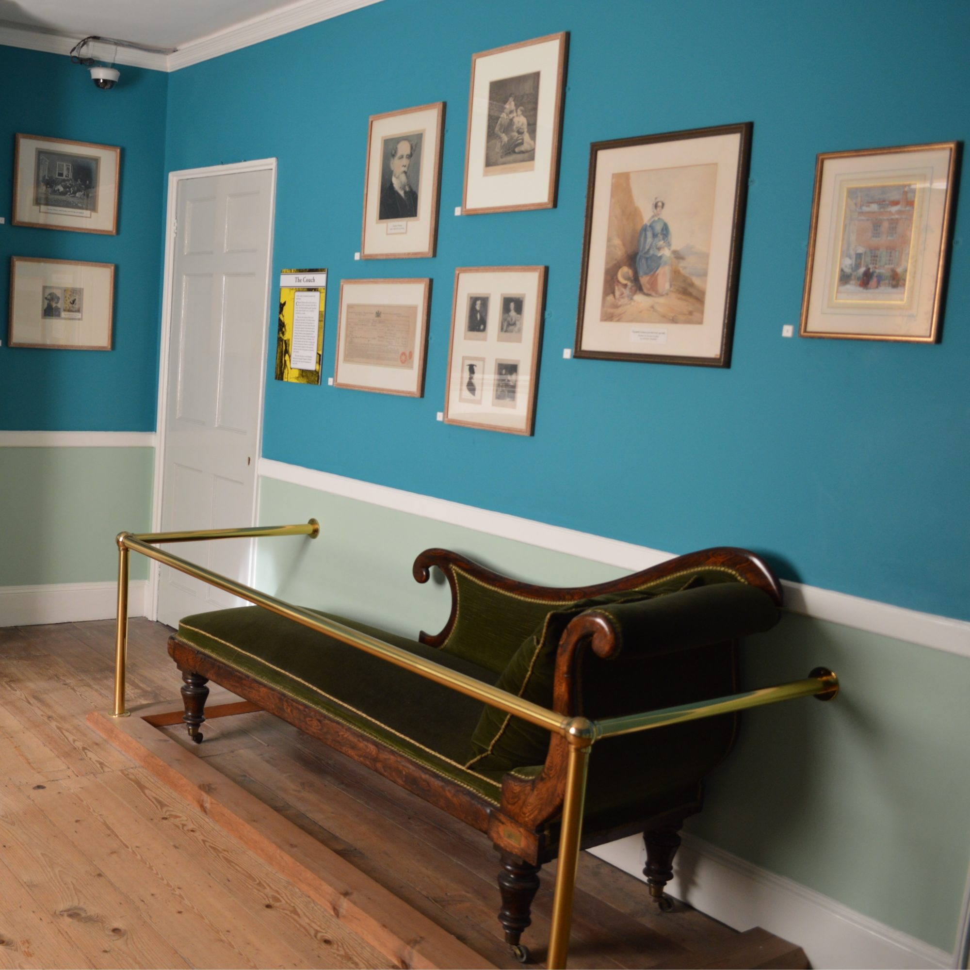 Charles Dickens' couch
